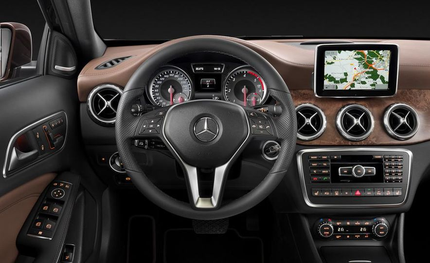 2014 Mercedes-Benz B-Class Electric Drive - Slide 35