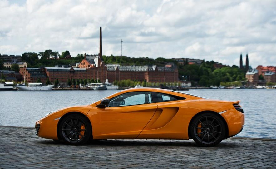 2014 McLaren 12C - Slide 4