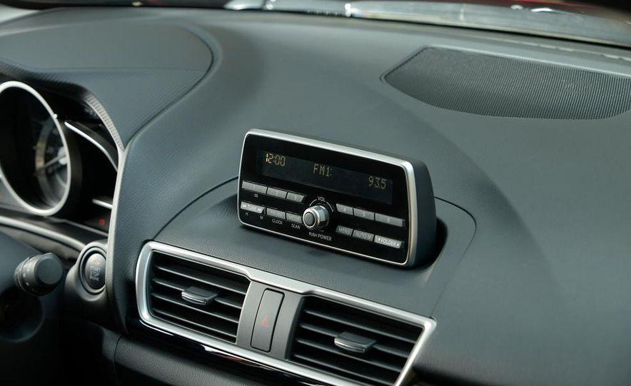 2014 Mazda 3 hatchback - Slide 5