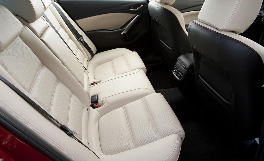 2014 Mazda 3 hatchback - Slide 9