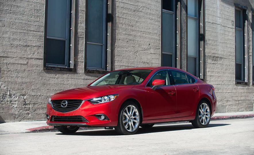 2014 Mazda 3 hatchback - Slide 6