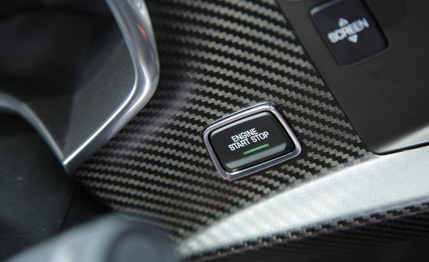 2014 Chevrolet Corvette Stingray - Slide 32