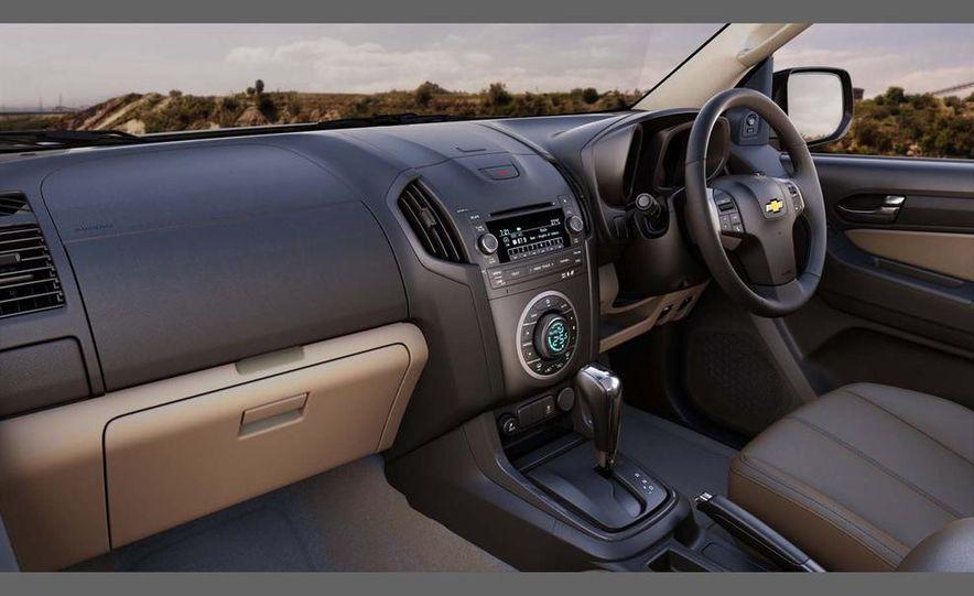 2013 Chevrolet Colorados - Slide 3