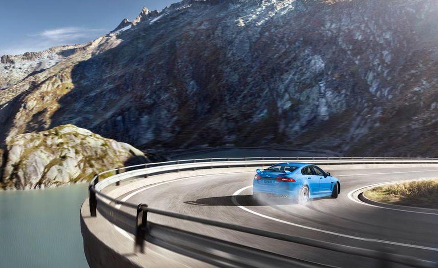 2014 Jaguar F-type V-6 roadster - Slide 7
