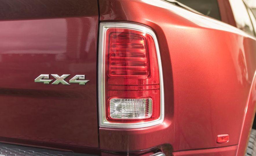 2013 Ram 3500 Laramie Longhorn Mega Cab diesel - Slide 12