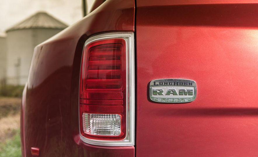 2013 Ram 3500 Laramie Longhorn Mega Cab diesel - Slide 14