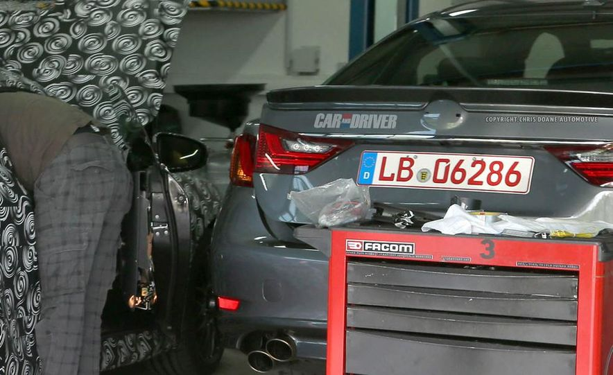 2015 Lexus GS F (spy photo) - Slide 3