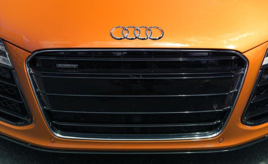 2014 Audi R8 4.2 Spyder DCT - Slide 11