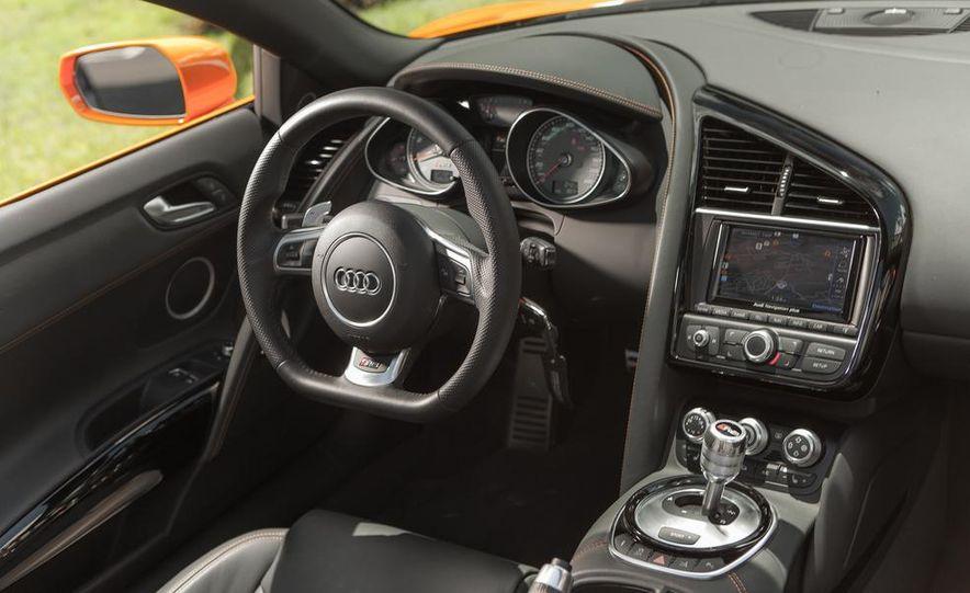 2014 Audi R8 4.2 Spyder DCT - Slide 21