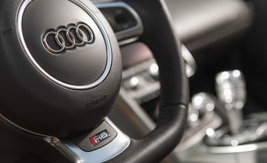 2014 Audi R8 4.2 Spyder DCT - Slide 26