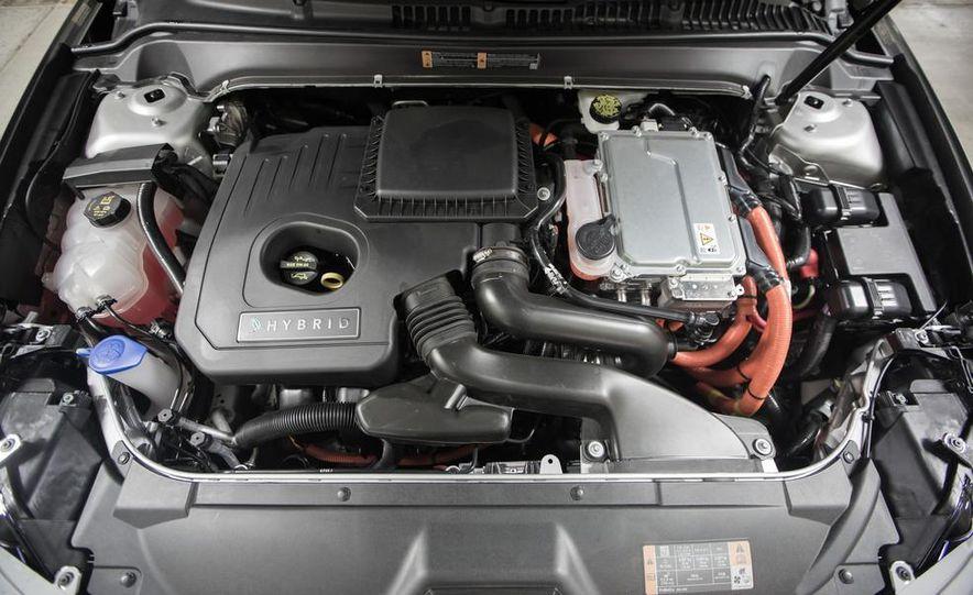 2013 Lincoln MKZ 2.0H - Slide 11