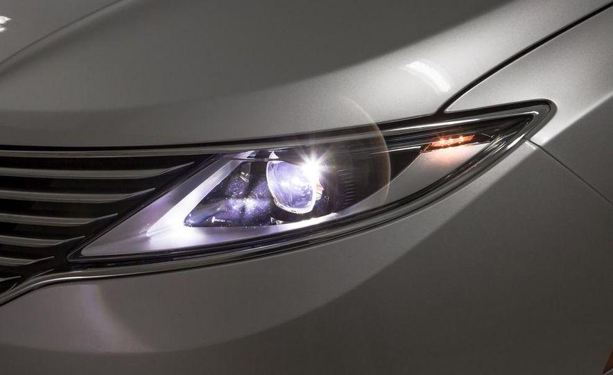 2013 Lincoln MKZ 2.0H - Slide 6