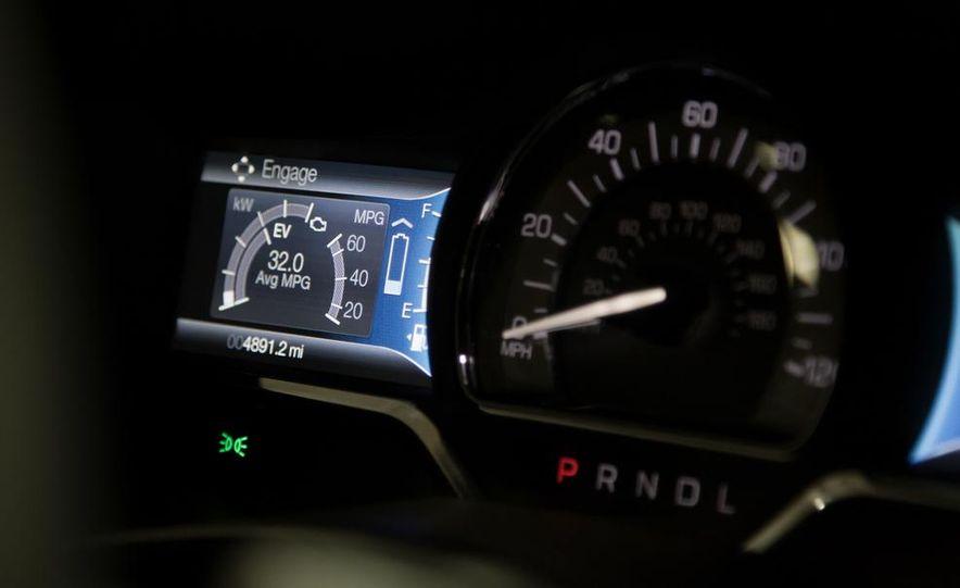 2013 Lincoln MKZ 2.0H - Slide 9