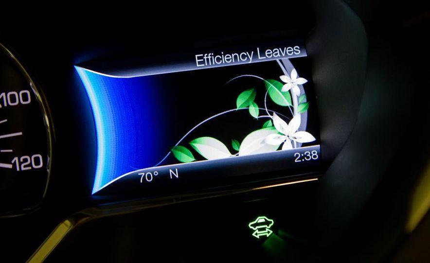 2013 Lincoln MKZ 2.0H - Slide 10