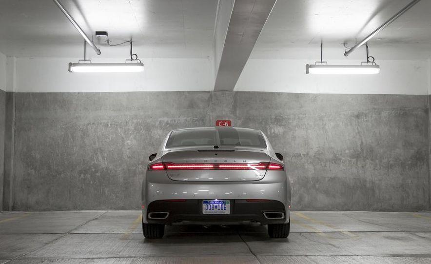 2013 Lincoln MKZ 2.0H - Slide 2