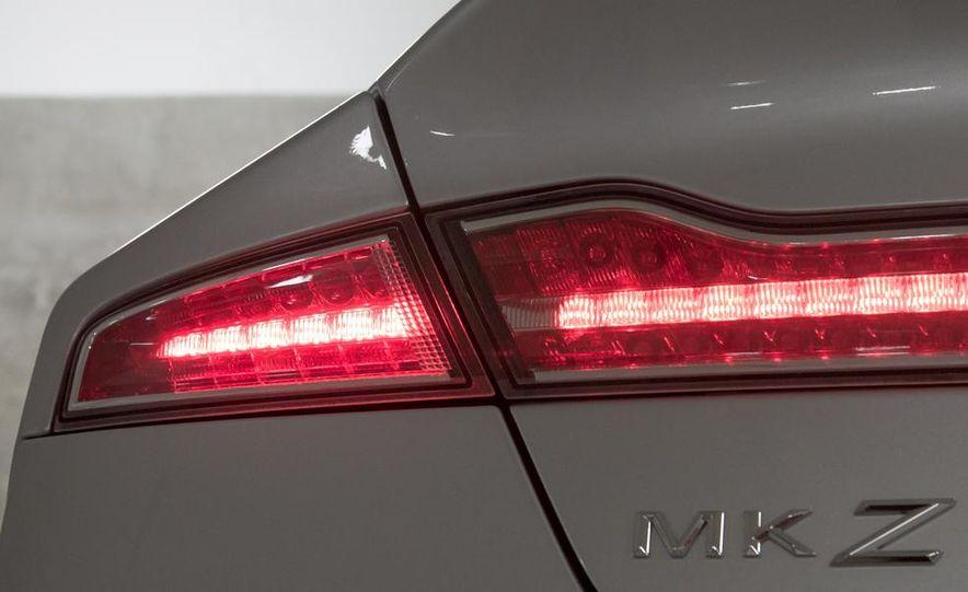 2013 Lincoln MKZ 2.0H - Slide 7