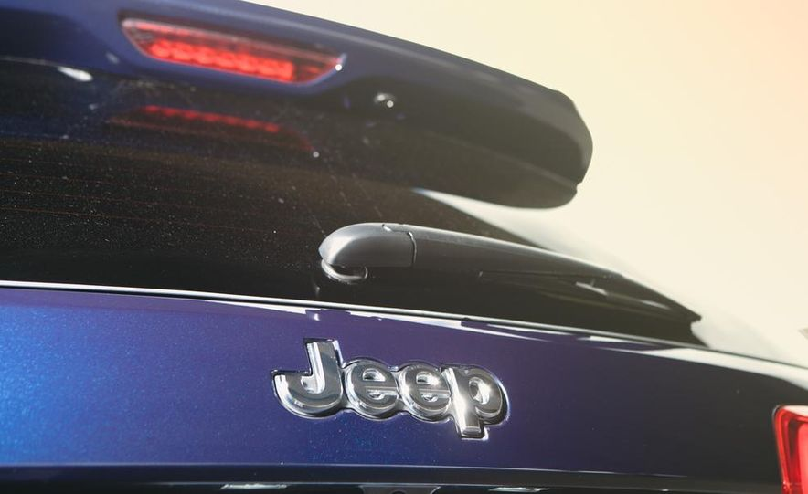 2014 Jeep Grand Cherokee Limited - Slide 26