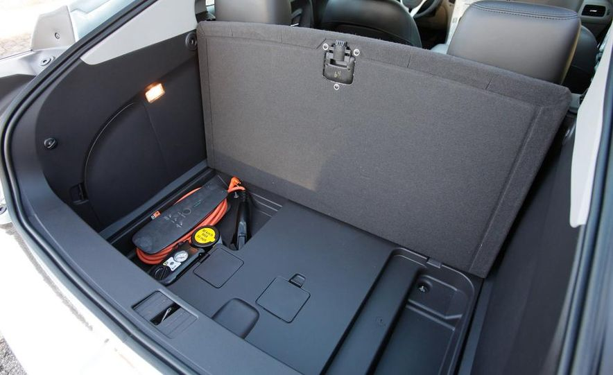 2014 Chevrolet Spark EV - Slide 36
