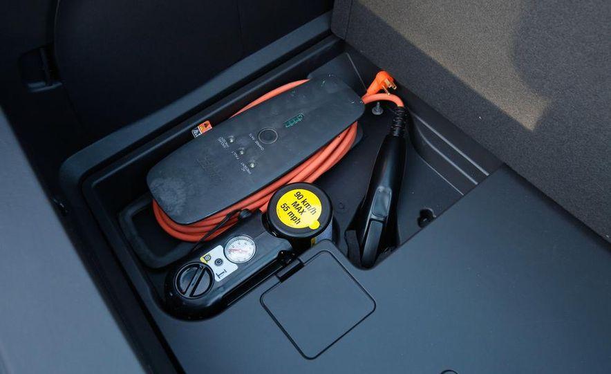 2014 Chevrolet Spark EV - Slide 35