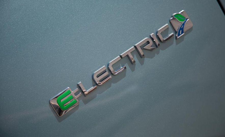 2014 Chevrolet Spark EV - Slide 82