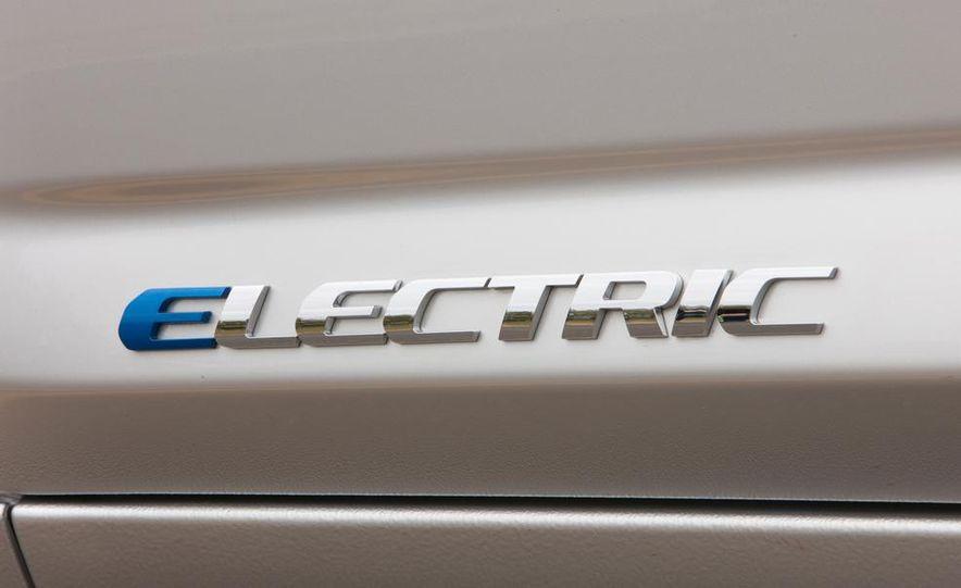 2014 Chevrolet Spark EV - Slide 187