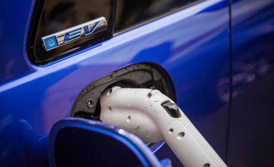 2014 Chevrolet Spark EV - Slide 113