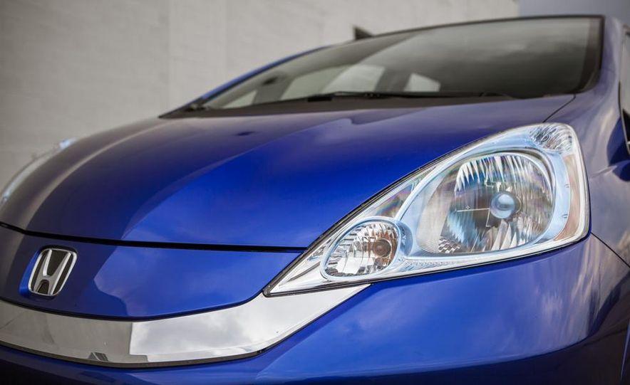 2014 Chevrolet Spark EV - Slide 107