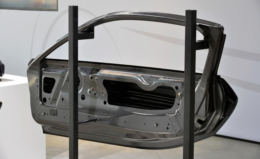 2015 BMW i8 prototypes - Slide 56