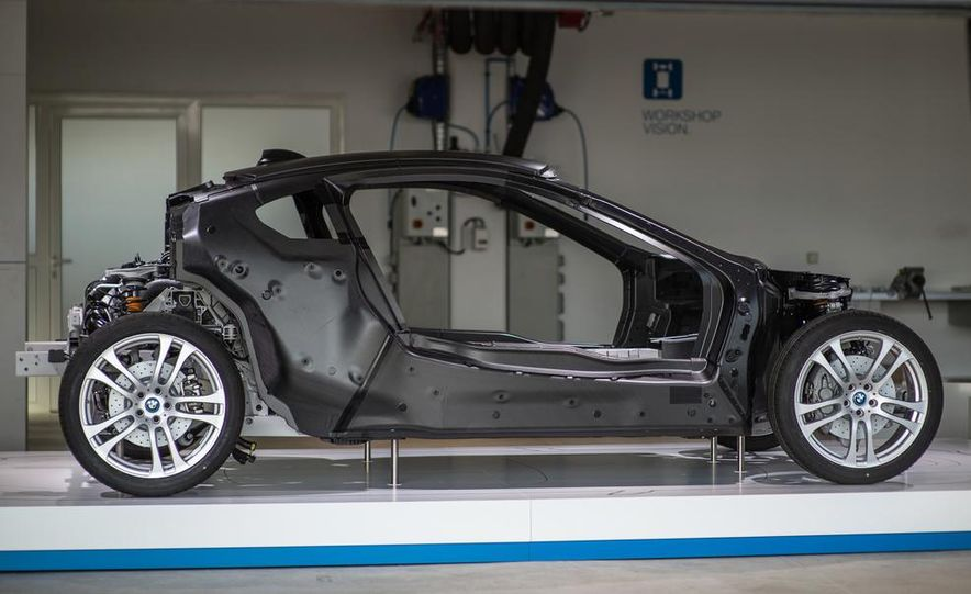 2015 BMW i8 prototypes - Slide 42