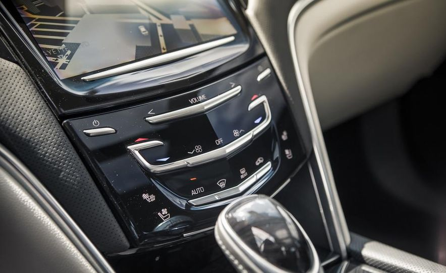 2014 Cadillac XTS Vsport - Slide 24