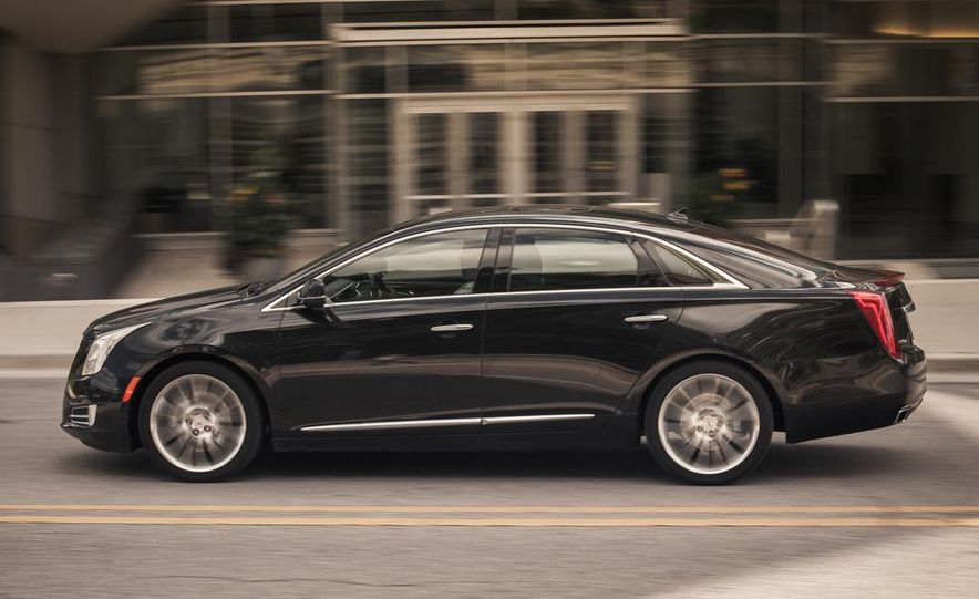 2014 Cadillac XTS Vsport - Slide 5