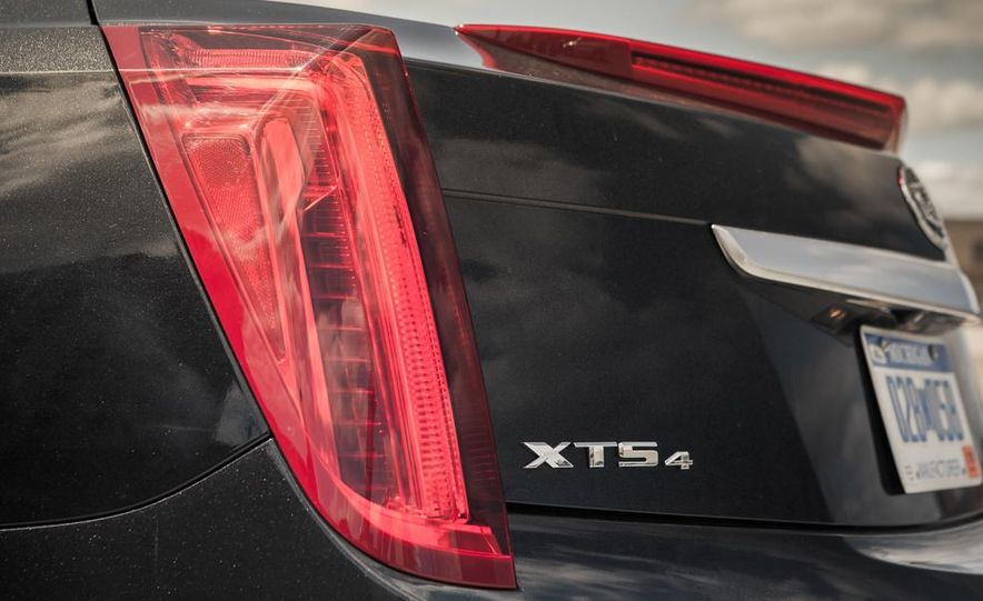 2014 Cadillac XTS Vsport - Slide 12