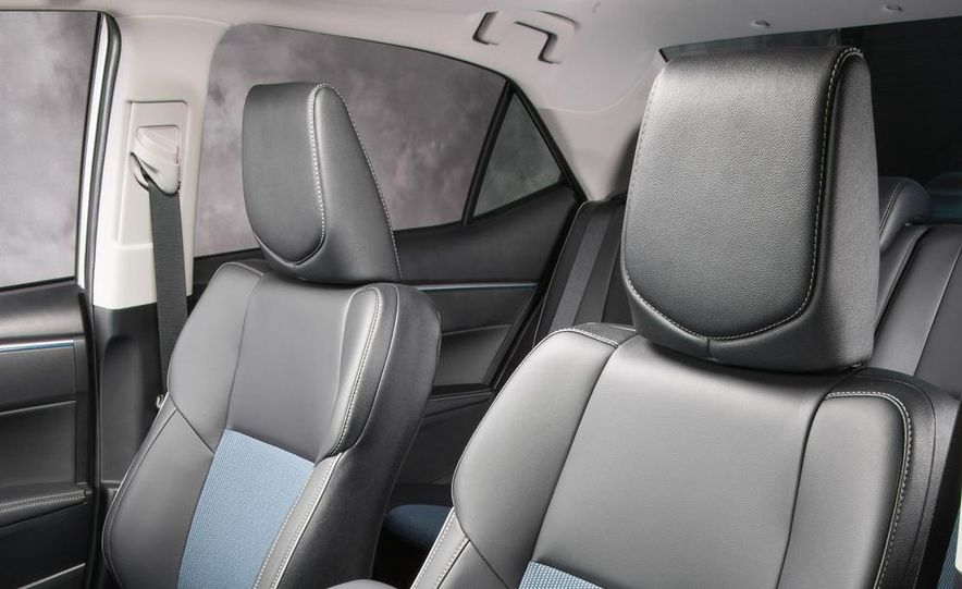 2014 Toyota Corolla S - Slide 30