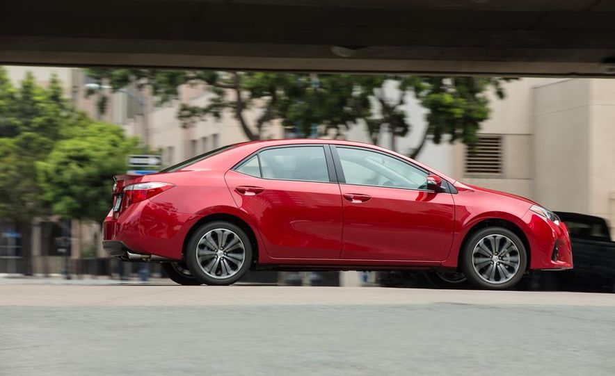 2014 Toyota Corolla S - Slide 5