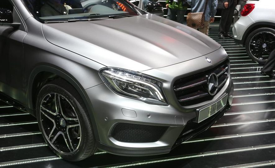 2015 Mercedes-Benz GLA250 4MATIC - Slide 17
