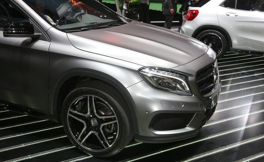 2015 Mercedes-Benz GLA250 4MATIC - Slide 18