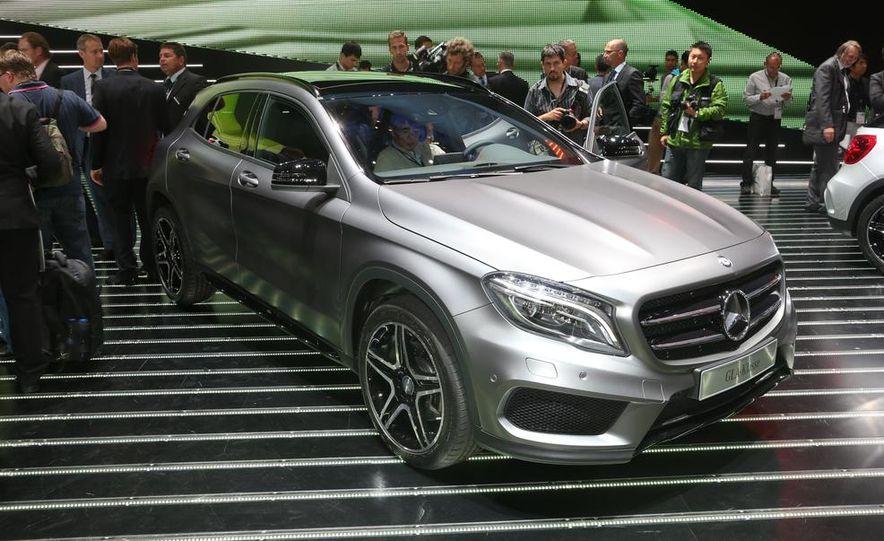 2015 Mercedes-Benz GLA250 4MATIC - Slide 15