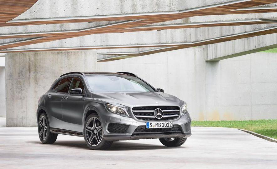 2015 Mercedes-Benz GLA250 4MATIC - Slide 28