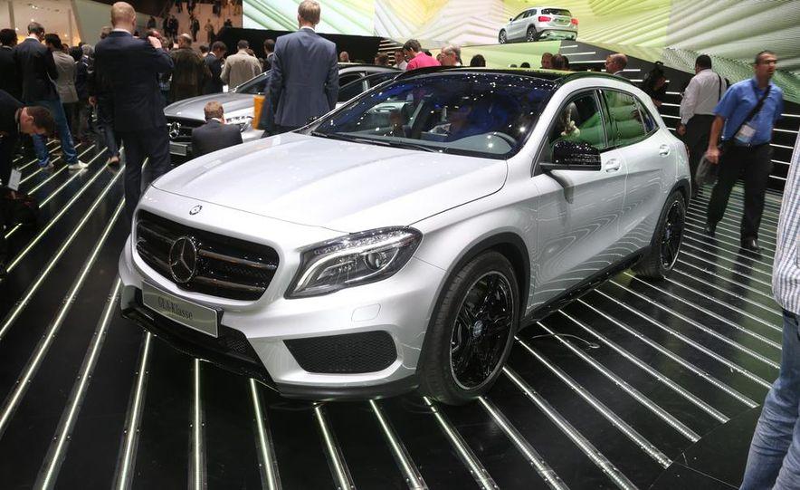 2015 Mercedes-Benz GLA250 4MATIC - Slide 1