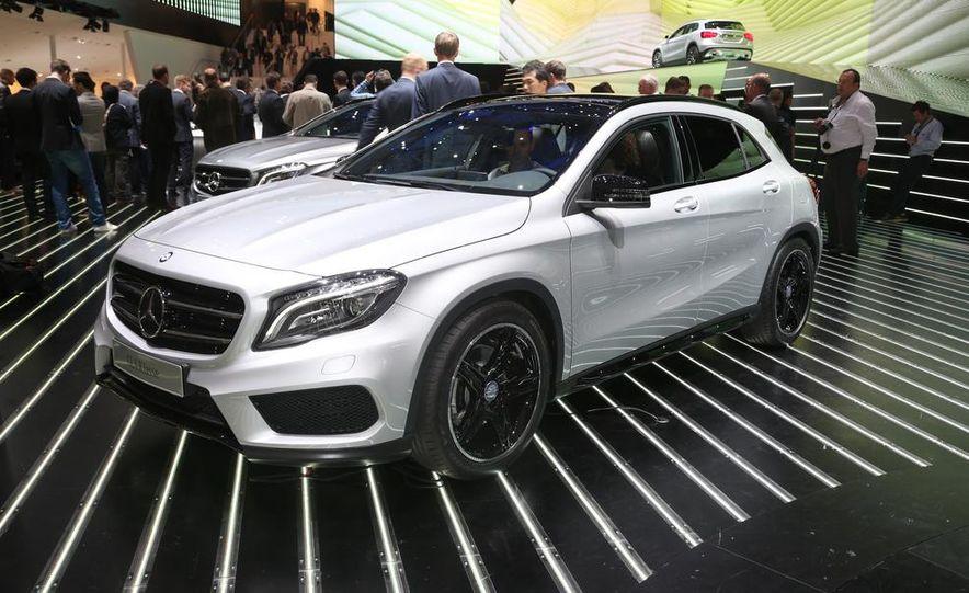 2015 Mercedes-Benz GLA250 4MATIC - Slide 2