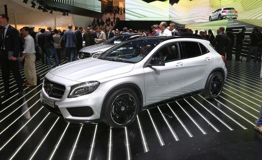 2015 Mercedes-Benz GLA250 4MATIC - Slide 3