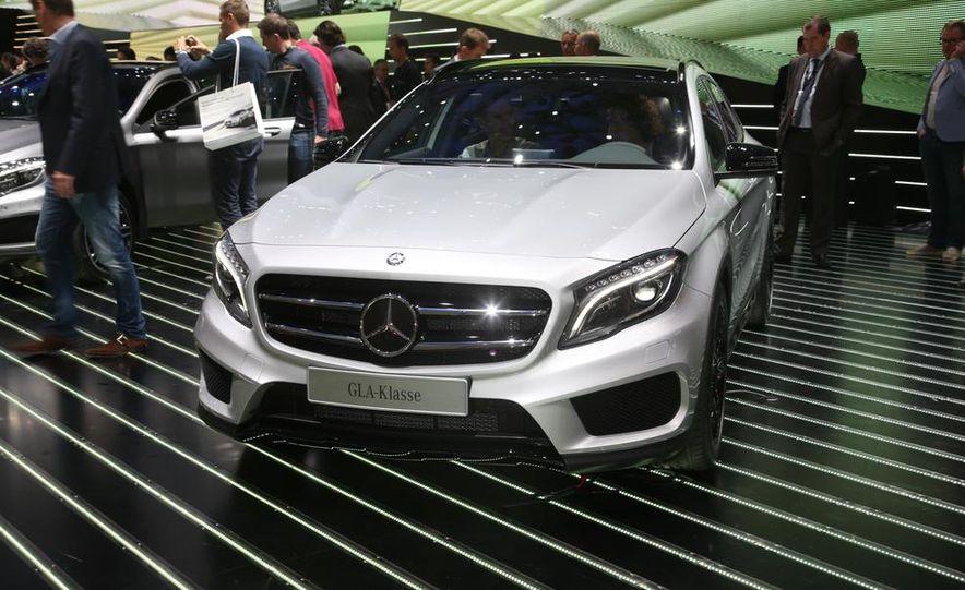 2015 Mercedes-Benz GLA250 4MATIC - Slide 4