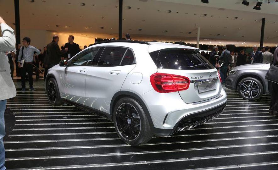 2015 Mercedes-Benz GLA250 4MATIC - Slide 8