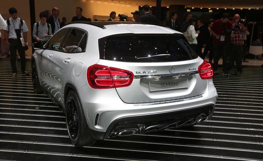 2015 Mercedes-Benz GLA250 4MATIC - Slide 9