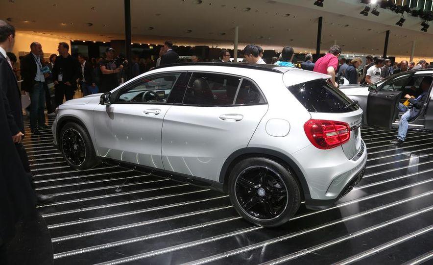 2015 Mercedes-Benz GLA250 4MATIC - Slide 10