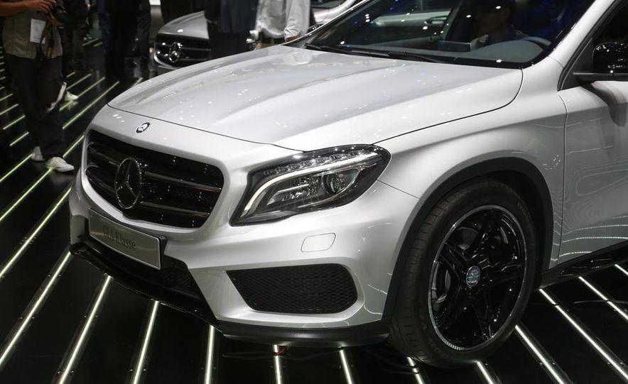 2015 Mercedes-Benz GLA250 4MATIC - Slide 11