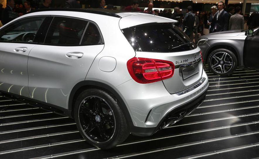 2015 Mercedes-Benz GLA250 4MATIC - Slide 12