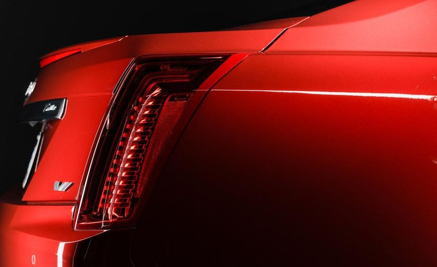 2014 Cadillac CTS Vsport - Slide 6