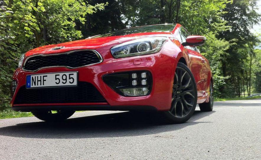 2014 Kia Cee'd GT and Pro_Cee'd GT - Slide 15