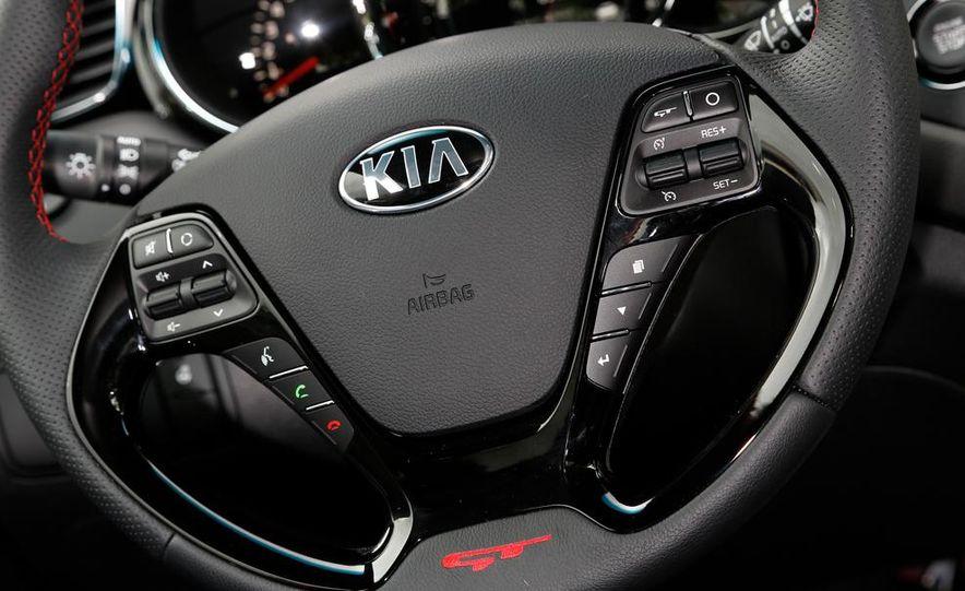 2014 Kia Cee'd GT and Pro_Cee'd GT - Slide 23